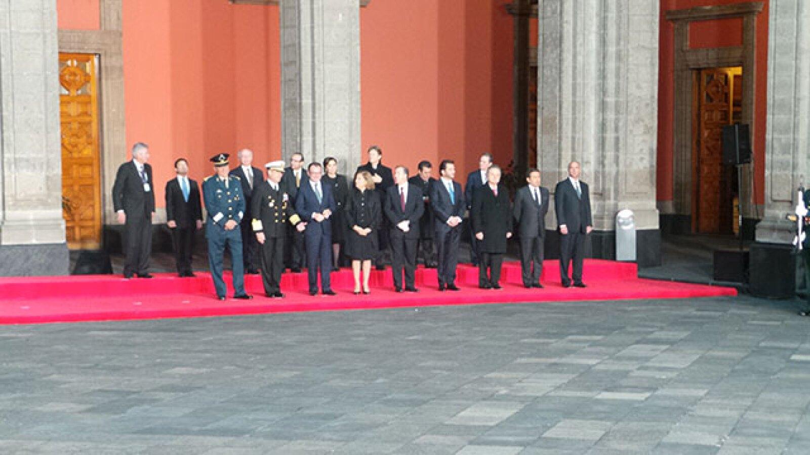 El gabinete de Enrique Peña Nieto esperando la llegada del Papa.