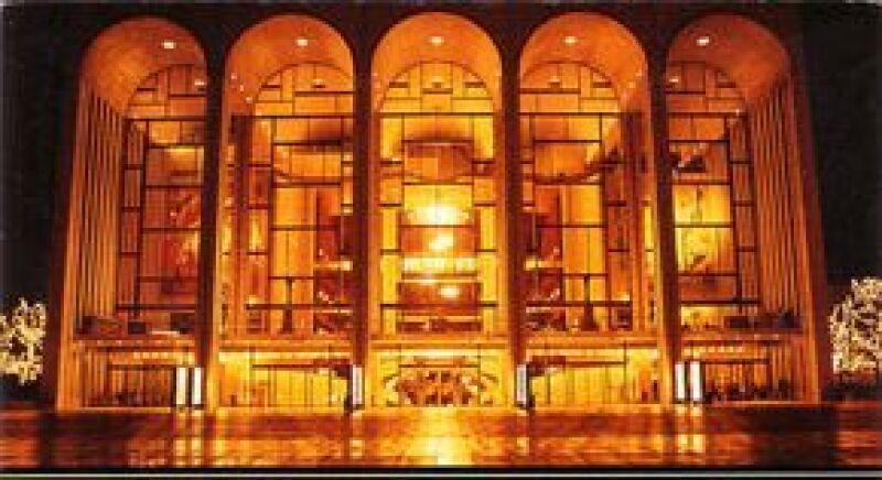 La temporada de ópera 2008-2009 del MET, está por primera vez en el Auditorio Nacional en vivo, vía satélite.