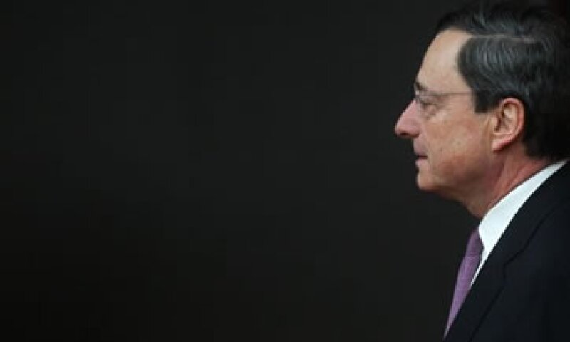El titular del BCE dijo que el plan de compra de bonos está mejorando la confianza de los mercados financieros.  (Foto: Reuters)
