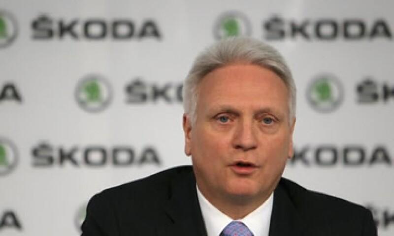 La renuncia Winfried Vahland no está vinculada a su escándalo de emisiones, dice la automotriz. (Foto: Reuters )