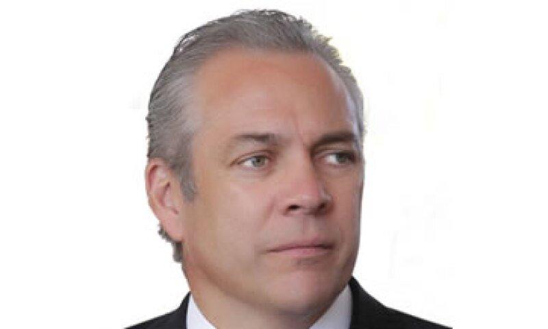 Fernando Solís Cámara habrá de profesionalizar y optimizar las actividades estratégicas con medios de comunicación. (Foto: Cortesía Grupo Financiero Interacciones)