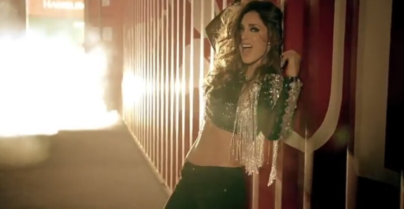 Hace una semana que la cantante mexicana compartió en YouTube su más reciente video y éste ya sobrepasa el millón de reproducciones.