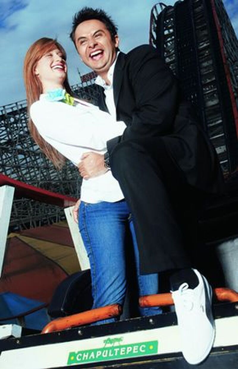 Zélika y Enrique participaron en nuestro top de las 10 parejas más atractivas de México en el 2004, cuando llevaban dos años de relación.