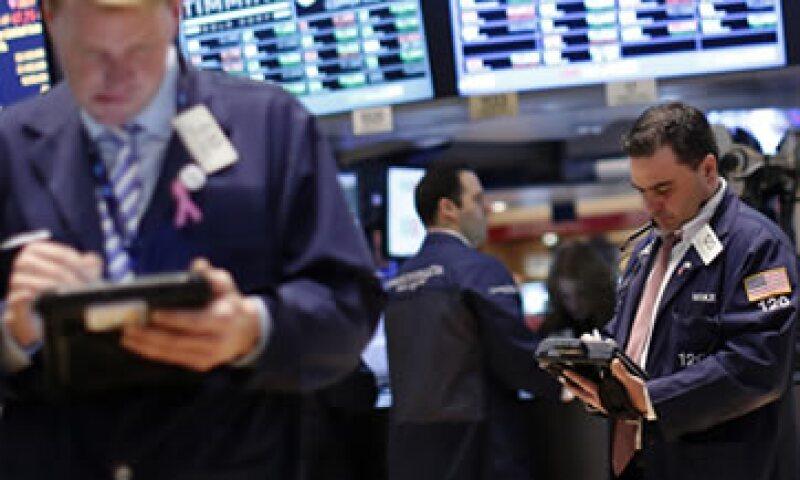 El Standard & Poor's 500 caía este lunes 1.99 puntos, o 0.13%, a 1,515.94. (Foto: Reuters)