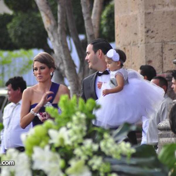 Alina Bracamontes,Raúl gonzalez y mini Ali