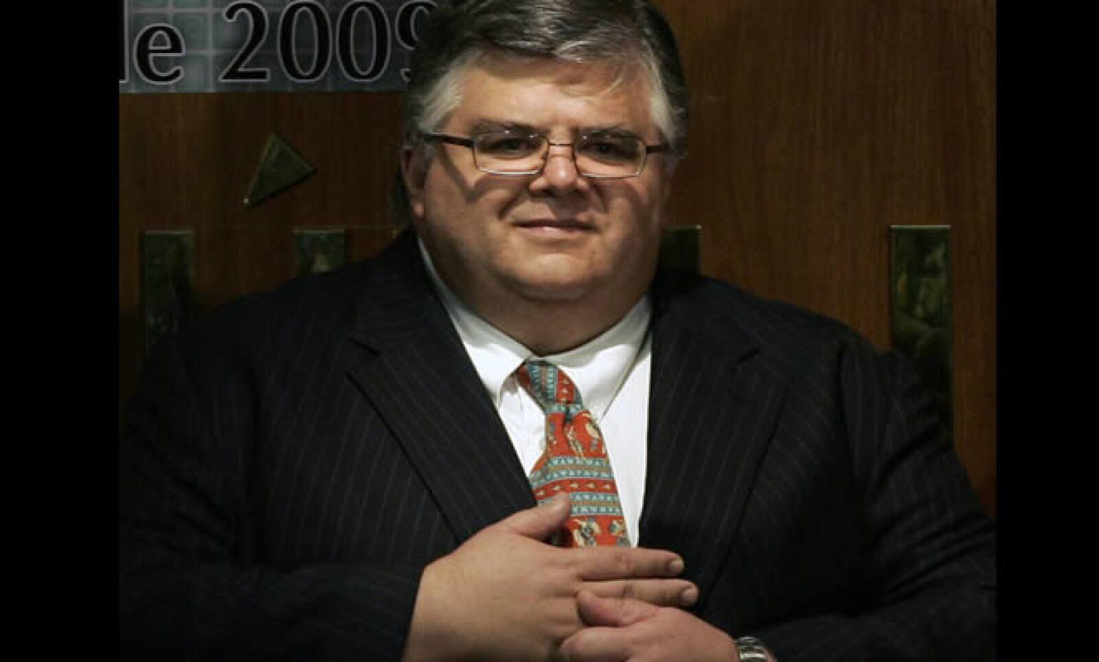 Tras la comparecencia del titular de Hacienda, Agustín Carstens el miércoles para explicar el paquete fiscal 2010, las Comisiones de Hacienda y de Estudios Legislativos aprobaron el viernes en lo general la Ley de Ingresos.
