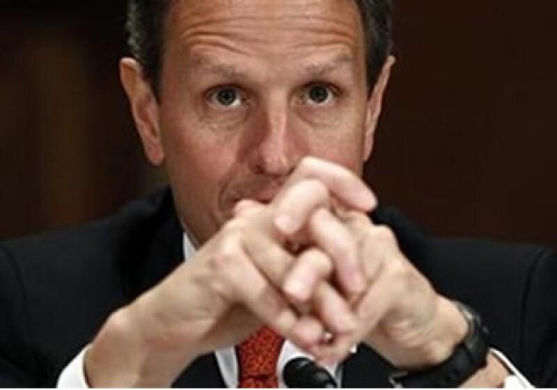 Timothy Geithner, secretario del Tesoro de EU, está en desacuerdo con la decisión de la calificadora. (Foto: Reuters)