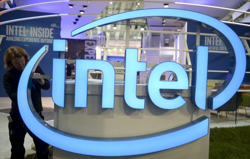La empresa busca enfocarse en productos de nube y en aparatos inteligentes.