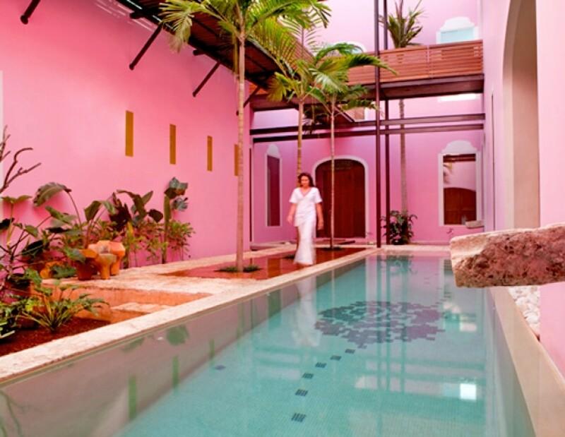 El color rosa mexicano es el distintivo de este hotel.