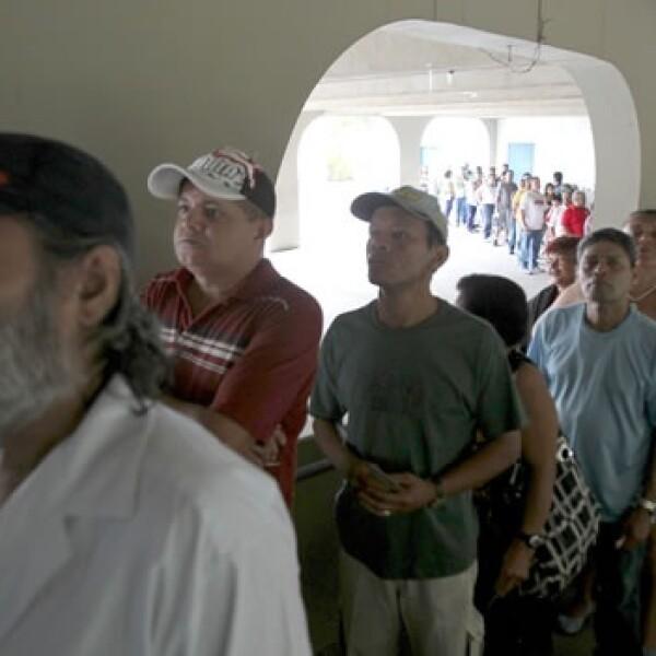 brasileños salen a votar