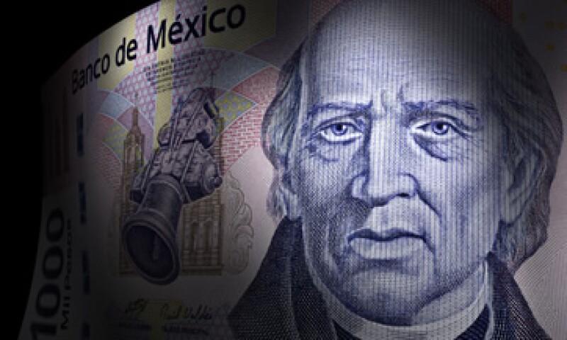 El peso mexicano es víctima de la volatilidad generada por el posible aumento en la tasa de la Fed. (Foto: iStock by Getty )