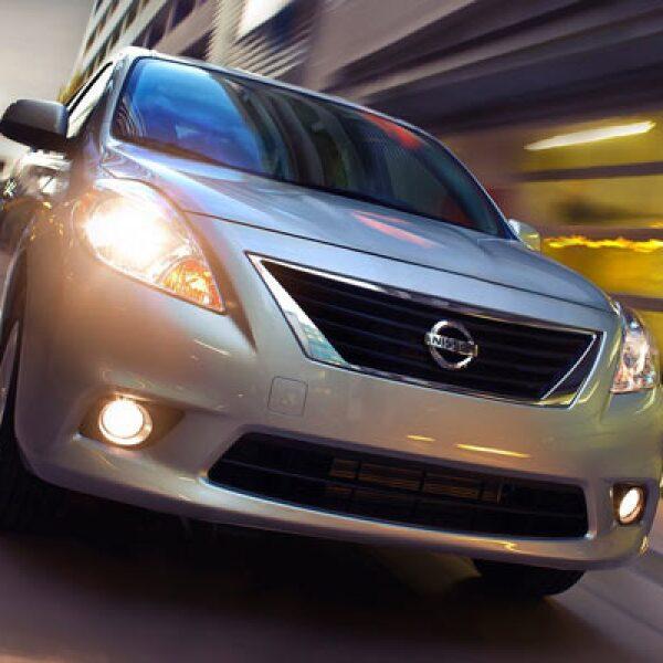 Nissan develó su nuevo modelo Versa 2012, un vehículo sedán compacto que llegará a las salas de exhibición a partir del 8 de julio.
