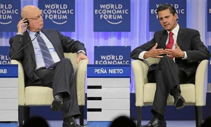 """El presidente de México ofreció la conferencia magistral """"Transformando México: sociedad, politica, economía"""" donde fue cuestionado por el tema de violencia que vive el país."""