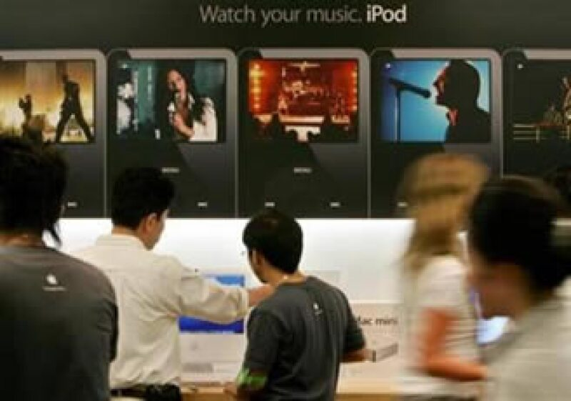 Apple cuenta con mpas de 85,000 aplicaciones disponibles para iPod Touch y iPhone. (Foto: Reuters)