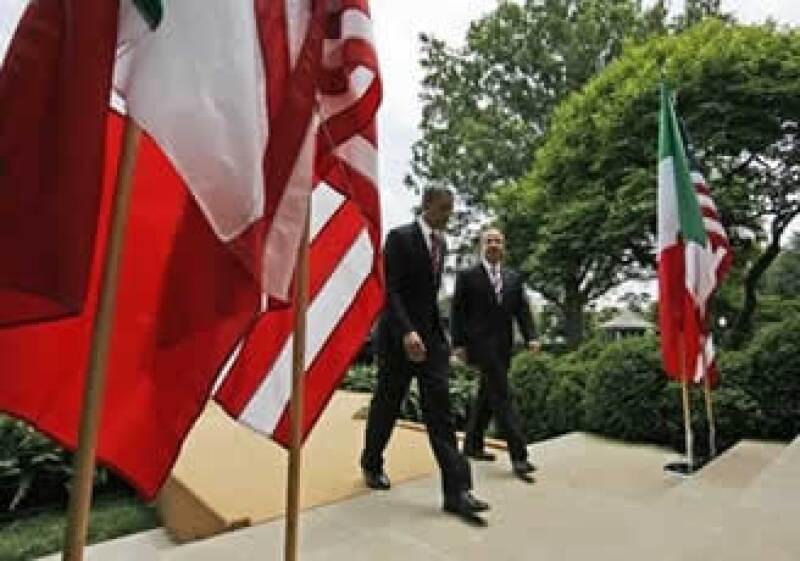 Felipe Calderón dijo que la conversación con Barack Obama fue amplia y provechosa. (Foto: AP)