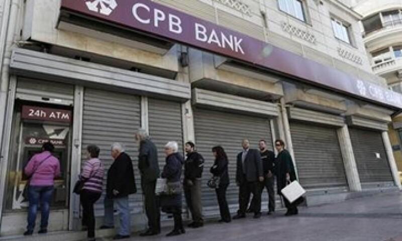 Chipre recibirá un rescate de 10,000 mde para apuntalar su sistema bancario.  (Foto: Reuters)