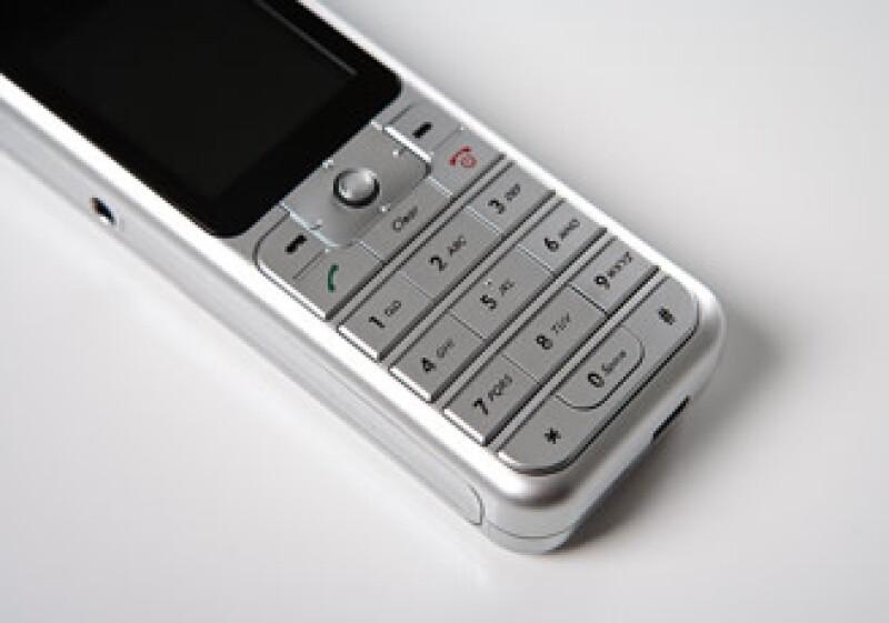Axtel explora realizar una alianza en el terreno de la telefonía móvil.  (Foto: Jupiter Images)
