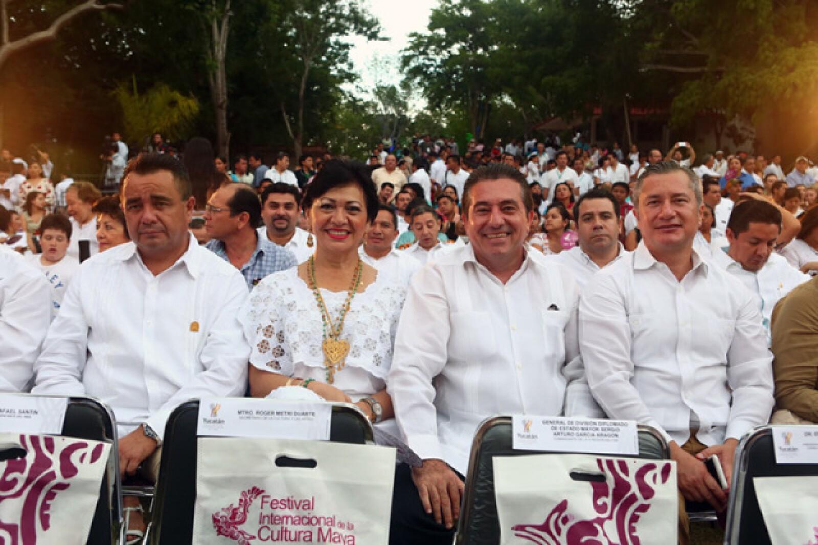 Gilbert Buenfil, Verónica Moguel,Gonzalo Escalante y Ernesto Martínez Ordaz