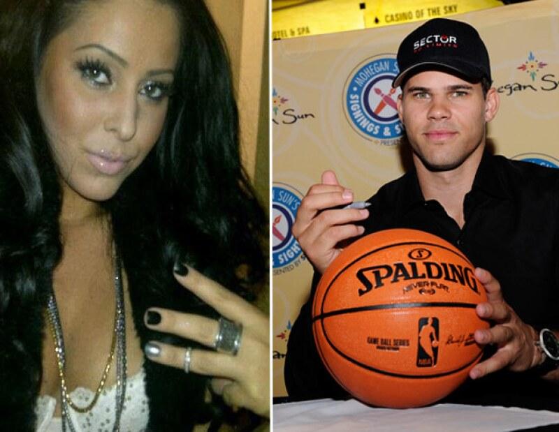El portal TMZ asegura que la ex novia del basquetbolista, Myla Sinanaj está esperando a su primer hijo, producto de su relación con el jugador.