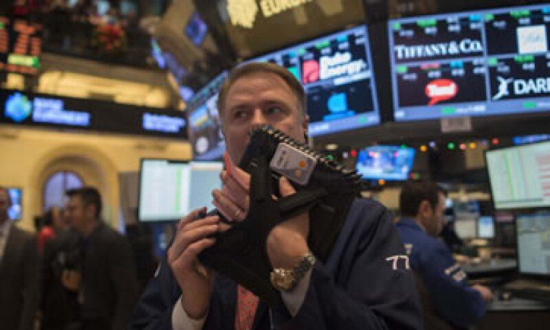 Las acciones mundiales alcanzaron este miércoles su mayor nivel desde julio del 2011. (Foto: Reuters)