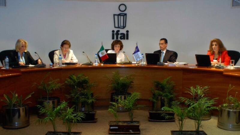 El IFAI resolvió una versión de la PGR sobre el 68