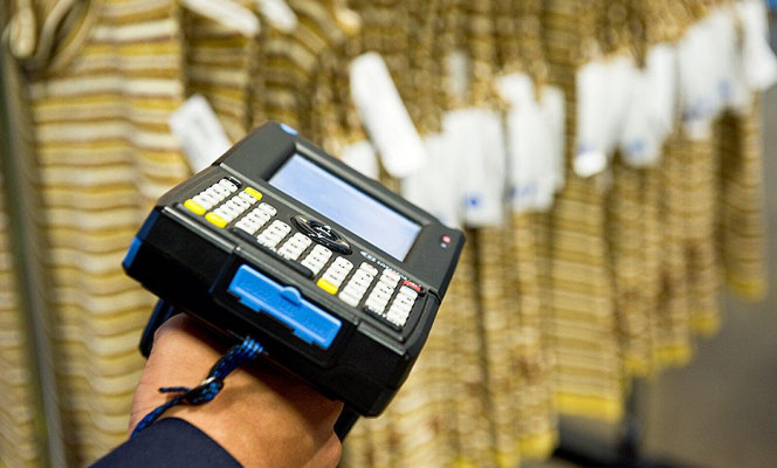 8.La identificación por Radio Frecuencia (RFID) es otra opción, pero es hasta 10 veces más costosa que el código de barras.