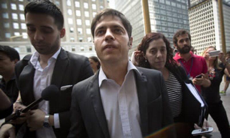 El ministro de Economía argentino, Axel Kicillof (centro), está en Nueva York en busca de un acuerdo con sus acreedores. (Foto: Reuters)