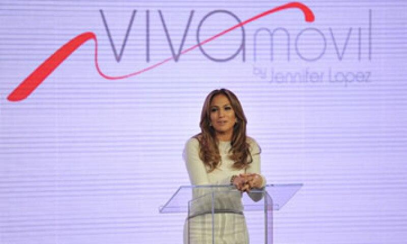 La artista insistió en el marcado perfil social que tiene el consumidor latino, característica alrededor de la que gira el concepto de Viva Móvil. (Foto: AP)