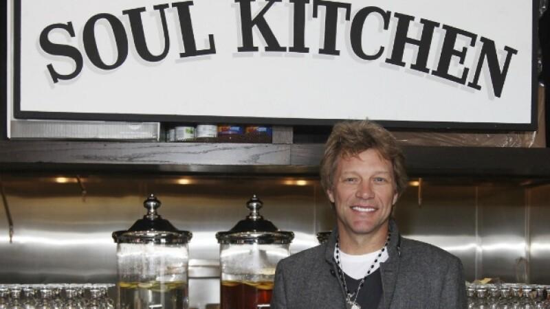 Jon Bon Jovi abre un restaurante comunitario en Nueva Jersey
