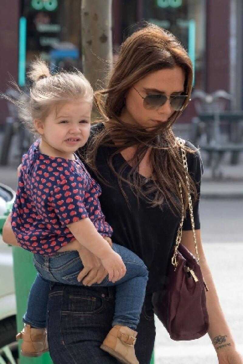 Pese a que tiene apenas dos años de edad, la hija de la diseñadora ya ha desarrollado un criterio propio en cuanto al vestir se trata.