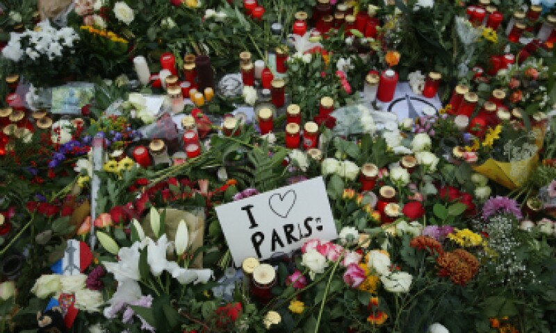 Al menos 129 personas perdieron la vida en los ataques simultáneos en París. (Foto: Getty Images)