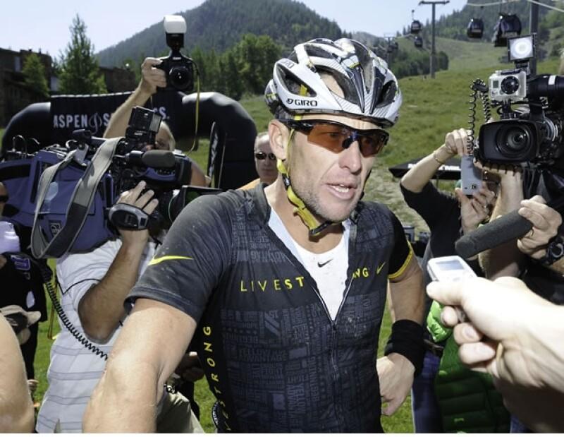 En la cima de su popularidad el ciclista era seguido por varios famosos.