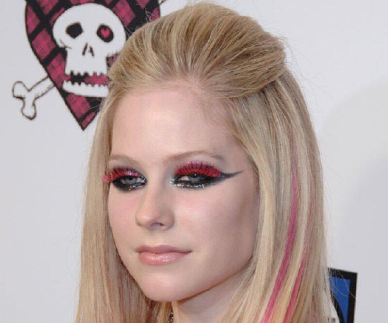 Avril Lavigne, ¿en qué estabas pensando cuando te maquillaste así?