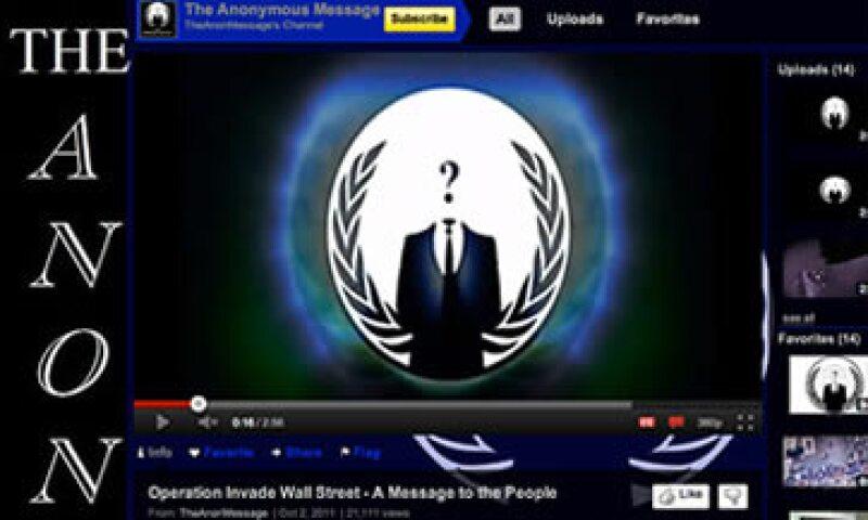 Anonymous avisó que intentaría tirar el sitio del NYSE a inicios de octubre con un video en YouTube. (Foto: Cortesía CNNMoney)