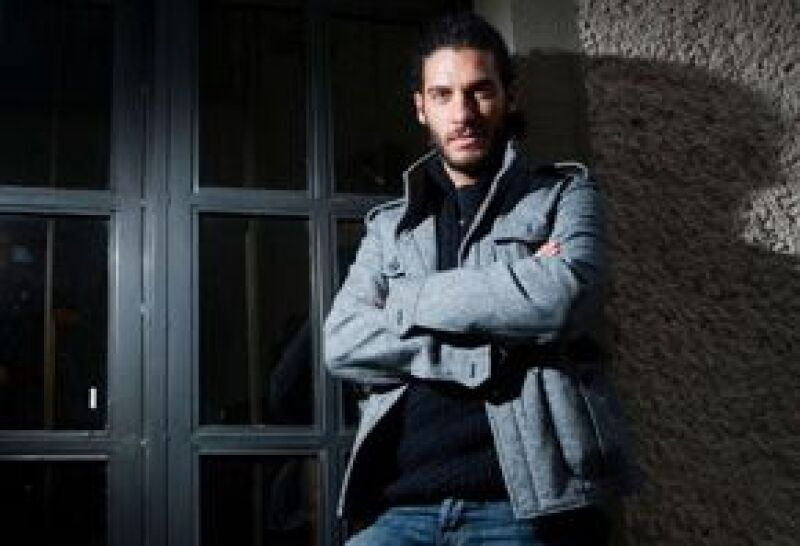 En El Nombre del Amor, el actor dará vida a Gabriel y será el encargado de alterar el romance entre los personajes encarnados por Sebastián Zurita y Allison Lozz.