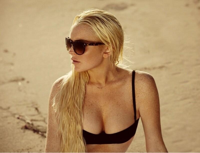 La actriz estadounidense fue captada mientras grababa algunas escenas de la película `First Point´, en donde da vida a una surfer.