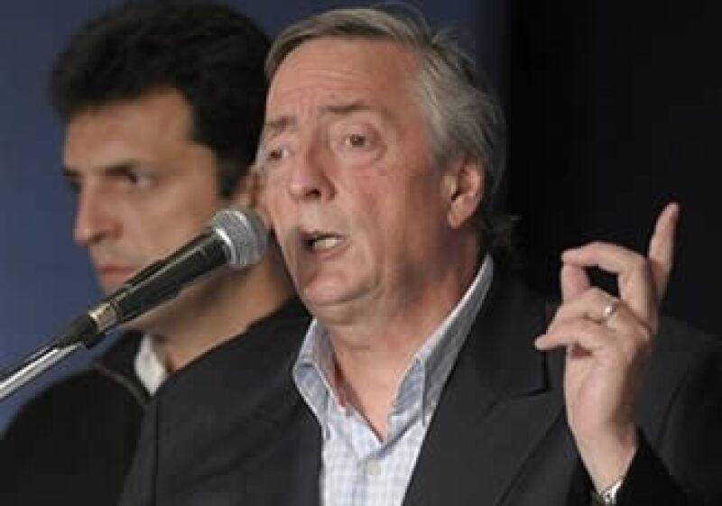 Néstor Kirchner, ex presidente de Argentina y esposo de la actual presidenta, aceptó su derrota para la candidatura a diputado en Buenos Aires. (Foto: AP)