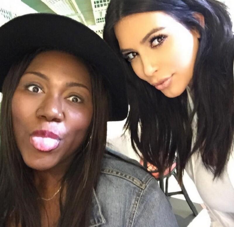 Kim también publicó en sus redes sociales una imagen en donde además de felicitar a su fan, también le agradece por todo el apoyo y amor incondicional que le ha tenido todo este tiempo.