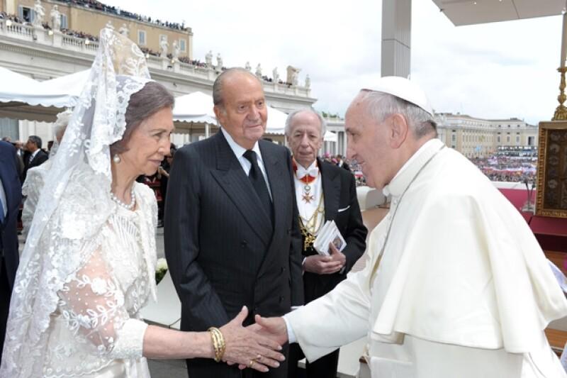 Los reyes de España estuvieron presentes en la ceremonia religiosa más esperada del año.