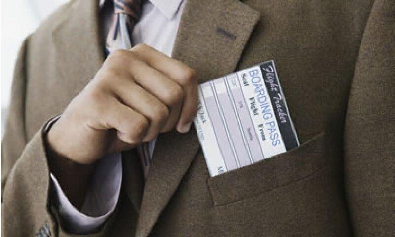 Algunos sitios de búsqueda de viajes pueden pronosticar si las tarifas tienden a ir hacia arriba o hacia abajo.  (Foto: Getty Images)