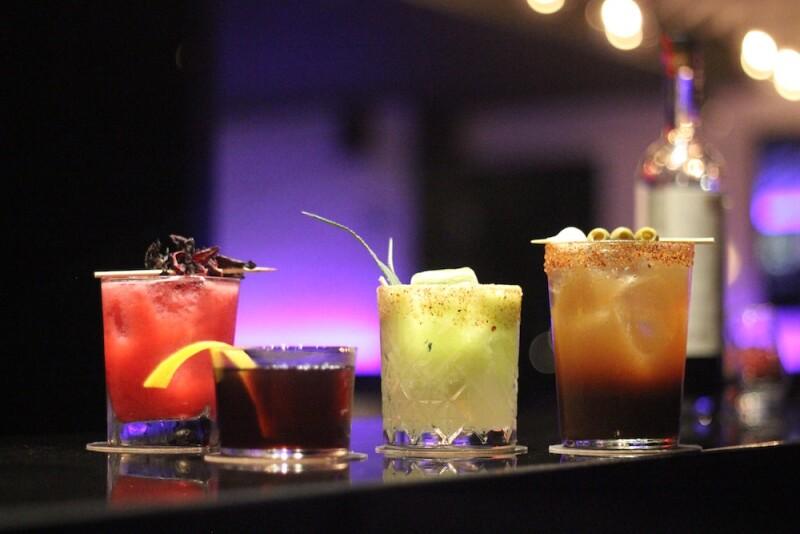 Coctelería a base de tequila y mezcal STK.jpg