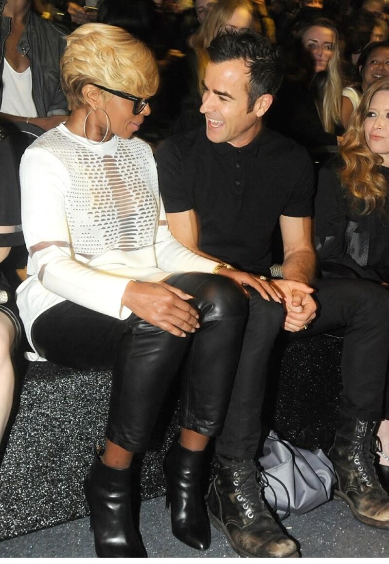 El diseñador presentó en Harlem su colección en la que colabora con la marca sueca H&M, donde contó con la compañía de Jessica Chastain, Dakota Fanning, Solange Knowles, Justin Theroux y más.
