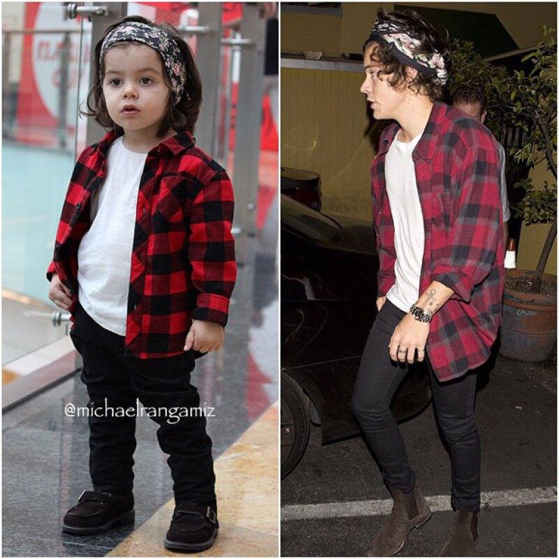Las poses de Michael son las mismas que las de Harry, sin duda puede pasar por su hermano menor.