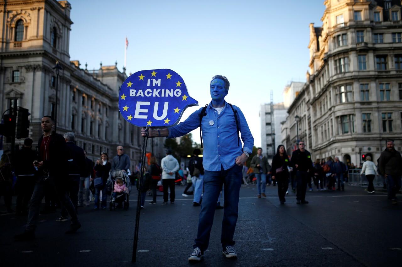 El Parlamento británico retrasa la votación sobre el 'Brexit', ¿qué sigue?