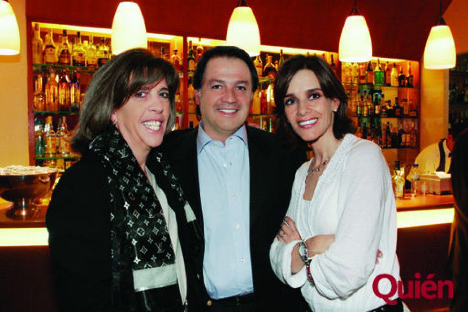 María Eugenia Bezauri, José Luis Simón, Fernanda Simón