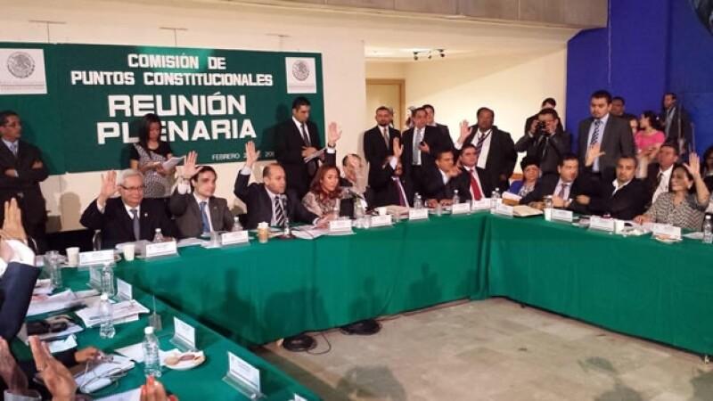 La comisión de puntos constitucionales avaló el dictamen para la creación de un sistema nacional contra la corrupción