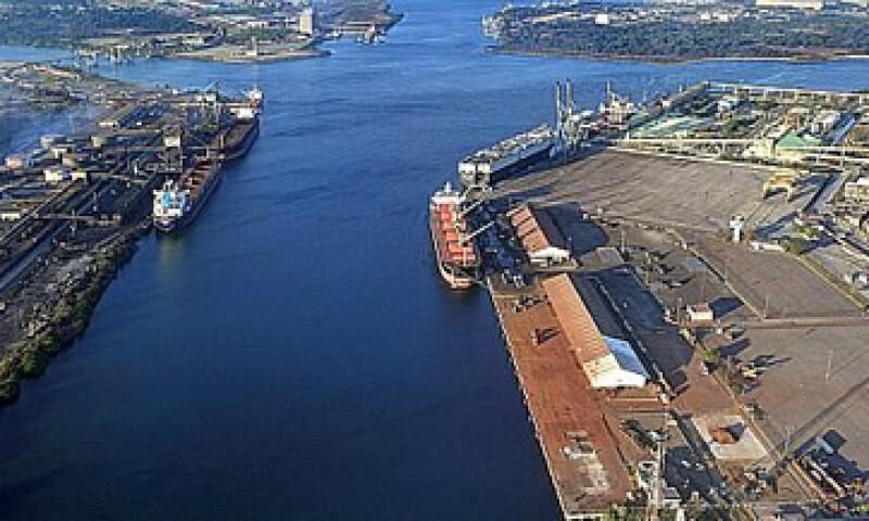 Para que el movimiento portuario fluya dinámicamente es necesario disponer de infraestructura moderna, dijo la SCT. (Foto: Tomada de puertolazarocardenas.com.mx)