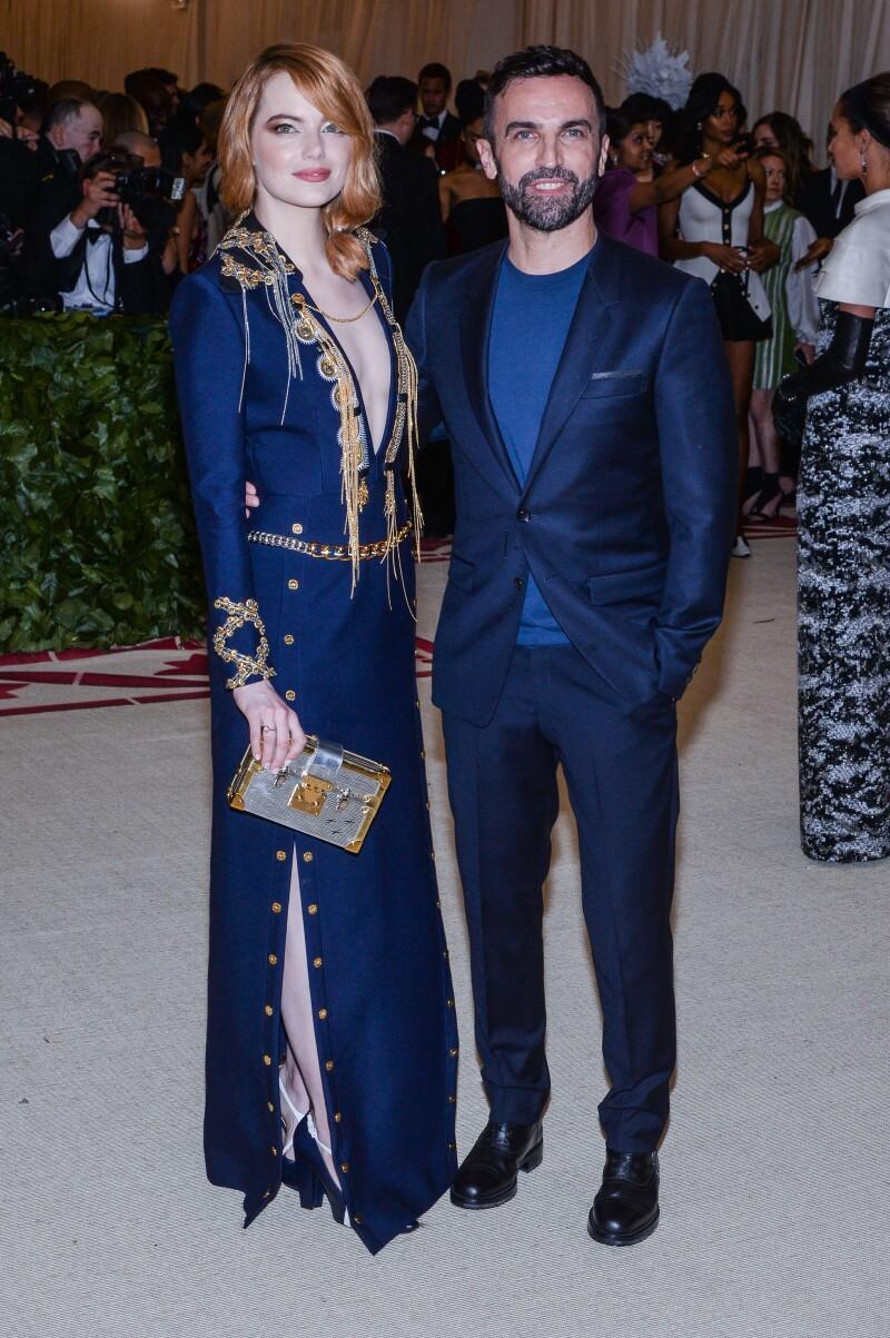 Emma Stone y Justin Theroux son vistos en Francia. Grosby