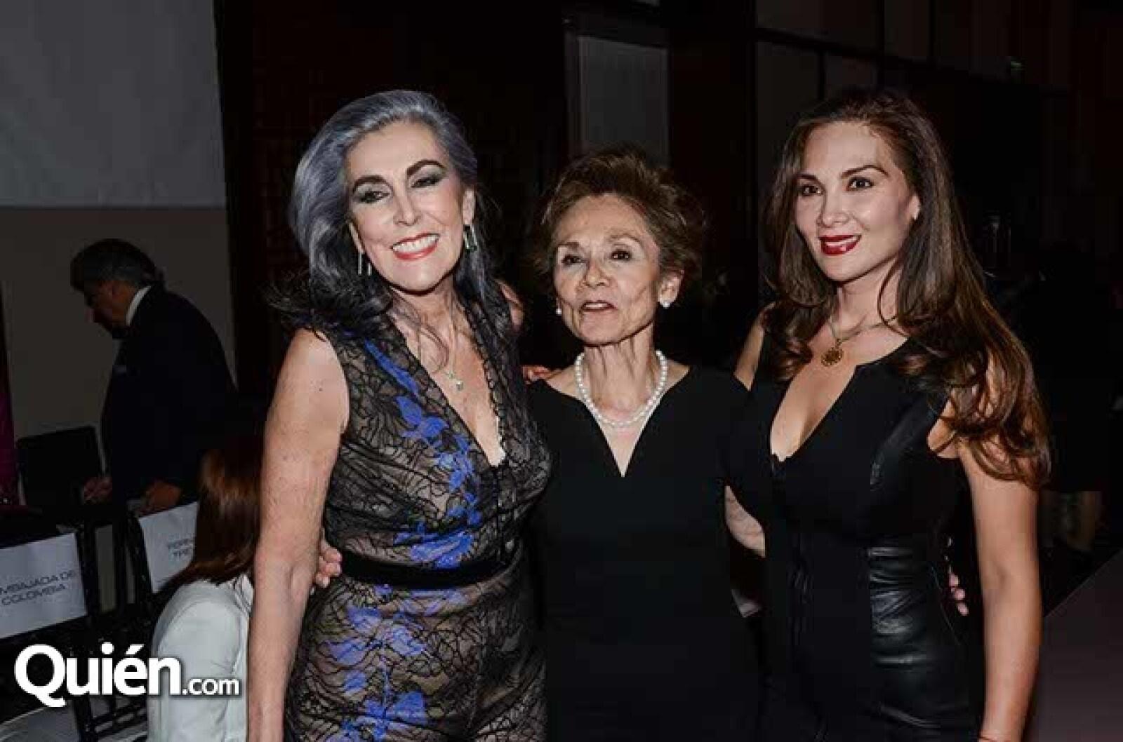 Niobe López Ostolaza,Guadalupe Bauer y Ayeth Flores.
