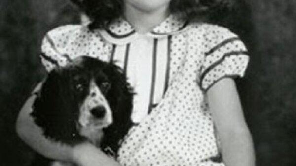 1935. Seis años